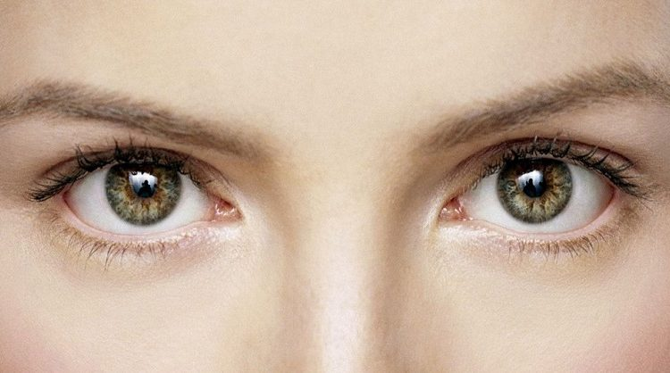 Healthy-Skin-Around-Eyes